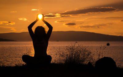 Yoga & Win: saludos y brindis con vino sin alcohol al sol