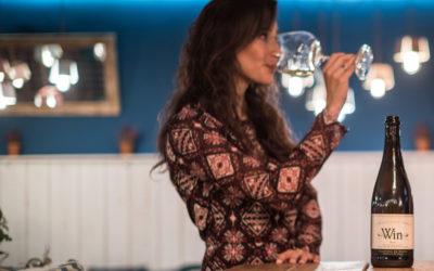 Vino blanco sin alcohol Win para hacer más llevadero el 'veroño'